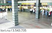 Купить «Билетные кассы на Ярославском железнодорожном вокзале, таймлапс», видеоролик № 3543735, снято 22 октября 2009 г. (c) Losevsky Pavel / Фотобанк Лори