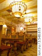 Купить «Интерьер кафе», фото № 3548615, снято 4 января 2012 г. (c) Виктория Ратникова / Фотобанк Лори