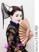 Купить «Девушка в образе гейши», фото № 3548959, снято 23 октября 2011 г. (c) Инга Дудкина / Фотобанк Лори