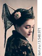 Купить «Девушка в образе гейши», фото № 3548971, снято 23 октября 2011 г. (c) Инга Дудкина / Фотобанк Лори