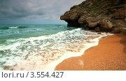 Купить «Вечерний берег моря в пасмурную погоду», видеоролик № 3554427, снято 28 мая 2012 г. (c) ILLYCH / Фотобанк Лори