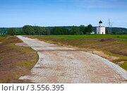 Купить «Строительство на Боголюбовском лугу», эксклюзивное фото № 3556395, снято 30 мая 2012 г. (c) Яков Филимонов / Фотобанк Лори