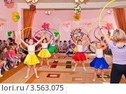 Купить «Праздник в детском саду», эксклюзивное фото № 3563075, снято 1 июня 2012 г. (c) Алёшина Оксана / Фотобанк Лори