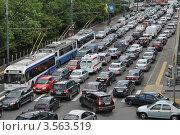 Купить «Пробка на улице Серафимовича. Москва», эксклюзивное фото № 3563519, снято 31 мая 2012 г. (c) lana1501 / Фотобанк Лори