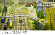 Купить «Игрушечный поезд прибывает на станцию», видеоролик № 3563731, снято 6 февраля 2010 г. (c) Losevsky Pavel / Фотобанк Лори