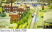 Купить «Игрушечный поезд выезжает со станции», видеоролик № 3563739, снято 7 февраля 2010 г. (c) Losevsky Pavel / Фотобанк Лори