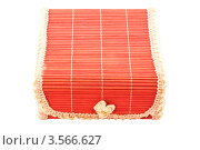 Бамбуковая подарочная коробочка на белом фоне. Стоковое фото, фотограф Инна Шевелёва / Фотобанк Лори