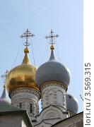 Купола церкви Святого Николая Чудотворца в Пыжах. Москва (2012 год). Стоковое фото, фотограф Скитева Екатерина / Фотобанк Лори