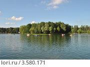Купить «Измайловский Парк культуры и отдыха. Круглый пруд.  Москва», эксклюзивное фото № 3580171, снято 10 июня 2012 г. (c) lana1501 / Фотобанк Лори