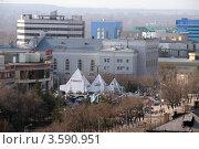 Купить «Вид на центральную улицу Караганды», фото № 3590951, снято 14 апреля 2012 г. (c) Вера Тропынина / Фотобанк Лори