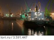 Вечерний порт (2011 год). Редакционное фото, фотограф Евгений Калищук / Фотобанк Лори