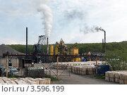 Купить «Асфальтовый завод в Петропавловске-Камчатском», фото № 3596199, снято 17 июня 2012 г. (c) А. А. Пирагис / Фотобанк Лори