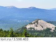 Купить «Уральские горы», фото № 3598403, снято 16 июня 2012 г. (c) Art Konovalov / Фотобанк Лори