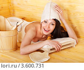 Купить «Девушка в сауне», фото № 3600731, снято 14 апреля 2012 г. (c) Gennadiy Poznyakov / Фотобанк Лори