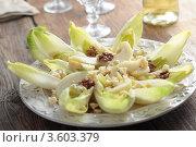 Купить «Салат с цикорием, сыром, орехами и грушей», фото № 3603379, снято 3 апреля 2012 г. (c) Stockphoto / Фотобанк Лори
