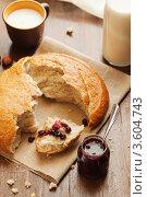 Хлеб, варенье и молоко. Стоковое фото, фотограф Gerasimova Inga / Фотобанк Лори