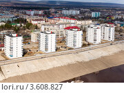 Купить «Город Ленск. Вид на город со стороны реки», фото № 3608827, снято 30 апреля 2011 г. (c) Роман Фомин / Фотобанк Лори
