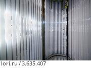 Купить «Вертикальный солярий», фото № 3635407, снято 18 мая 2011 г. (c) Losevsky Pavel / Фотобанк Лори