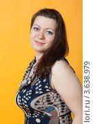 Купить «Портрет девушки на желтом фоне крупным планом», фото № 3638979, снято 9 апреля 2011 г. (c) Сергей Дубров / Фотобанк Лори