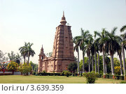 Купить «Буддистский храм в Сарнатхе (Варанаси), Индия», фото № 3639359, снято 11 апреля 2011 г. (c) Светлана Колобова / Фотобанк Лори