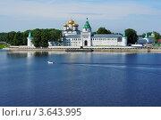 Купить «Ипатьевский монастырь в Костроме», фото № 3643995, снято 10 июня 2012 г. (c) ElenArt / Фотобанк Лори