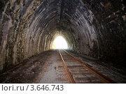 Купить «Тоннель, кругобайкальская железная дорога», фото № 3646743, снято 28 июня 2012 г. (c) Некрасов Андрей / Фотобанк Лори
