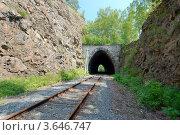 Купить «Тоннель, кругобайкальская железная дорога», фото № 3646747, снято 28 июня 2012 г. (c) Некрасов Андрей / Фотобанк Лори