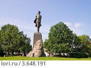 Купить «Памятник Максиму Горькому в Нижнем Новгороде», фото № 3648191, снято 13 июня 2012 г. (c) Светлана Кузнецова / Фотобанк Лори