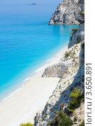 Купить «Красивый летний белый Эгремни пляж на Ионическом море (Лефкада, Греция)», фото № 3650891, снято 26 июня 2012 г. (c) Юрий Брыкайло / Фотобанк Лори