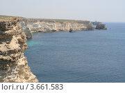 Купить «Скалистый морской берег Черного моря мыса Тарханкут», фото № 3661583, снято 1 мая 2012 г. (c) Робул Дмитрий / Фотобанк Лори