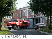 Купить «Пожарная часть в Волоколамске, Московская область», фото № 3664199, снято 28 июля 2011 г. (c) Малышев Андрей / Фотобанк Лори