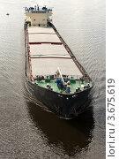 Купить «Баржа плывет по реке», фото № 3675619, снято 2 июля 2012 г. (c) Юрий Викулин / Фотобанк Лори