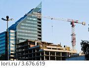 Купить «Строительство нового бизнес-центра в Екатеринбурге», фото № 3676619, снято 16 июля 2012 г. (c) Елена Ермоленко / Фотобанк Лори