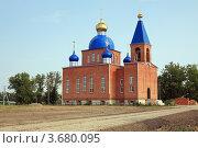 Купить «Строящаяся церковь», эксклюзивное фото № 3680095, снято 8 июля 2012 г. (c) Игорь Веснинов / Фотобанк Лори