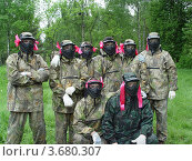 Купить «Команда пейнтболистов перед игрой», фото № 3680307, снято 6 июня 2009 г. (c) Ирина / Фотобанк Лори