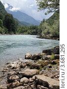 Купить «Река Бзыбь, Абхазия», фото № 3681295, снято 11 июля 2012 г. (c) Игорь Веснинов / Фотобанк Лори