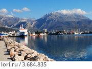 Причал и набережная города Бара, Черногория (2012 год). Редакционное фото, фотограф Шейнина Ольга / Фотобанк Лори