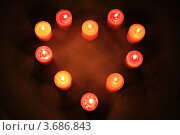 Купить «Ароматические свечи в темноте», фото № 3686843, снято 14 ноября 2009 г. (c) Александр Скопинцев / Фотобанк Лори