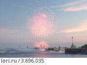 Санкт-Петербург. Праздничный салют на День города (2012 год). Стоковое фото, фотограф Литвяк Игорь / Фотобанк Лори