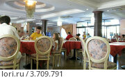 Купить «Люди ужинают в итальянском ресторане(Таймлапс)», видеоролик № 3709791, снято 14 сентября 2010 г. (c) Losevsky Pavel / Фотобанк Лори