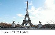 Купить «Эйфелева башня и конные статуи в Париже», видеоролик № 3711263, снято 11 октября 2010 г. (c) Losevsky Pavel / Фотобанк Лори
