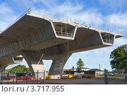 Строительство автомобильного моста. Стоковое фото, фотограф Кропотов Лев / Фотобанк Лори