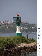Купить «Владивосток. Амурский залив. Навигационный знак на острове Елены», эксклюзивное фото № 3718571, снято 27 июля 2012 г. (c) Валерий Акулич / Фотобанк Лори