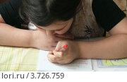 Купить «Ребенок пишет», видеоролик № 3726759, снято 19 февраля 2010 г. (c) Egorius / Фотобанк Лори
