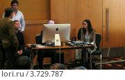 Купить «Алексей Сизов дает мастер-классы на II Международной конференции по STOCKinRUSSIA10 (таймлапс)», видеоролик № 3729787, снято 12 декабря 2010 г. (c) Losevsky Pavel / Фотобанк Лори