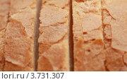 Купить «Ломтики хлеба крупным планом», видеоролик № 3731307, снято 19 марта 2011 г. (c) Losevsky Pavel / Фотобанк Лори