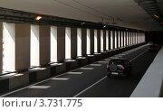 Купить «Вид на уходящие вдаль колонны в туннеле под каналом им. Москвы», фото № 3731775, снято 7 августа 2012 г. (c) Андрей Ерофеев / Фотобанк Лори