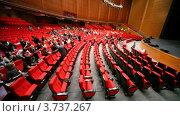 Купить «Студент года приглашает зрителей на финал конкурса Студент года», видеоролик № 3737267, снято 16 июля 2011 г. (c) Losevsky Pavel / Фотобанк Лори