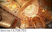 Купить «Расписной потолок в православном храме Христа Спасителя», видеоролик № 3739751, снято 5 июня 2011 г. (c) Losevsky Pavel / Фотобанк Лори