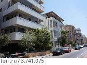 Купить «Мозаика архитектурных стилей на улицах Тель-Авива», фото № 3741075, снято 8 августа 2012 г. (c) Олег Хмельниц / Фотобанк Лори